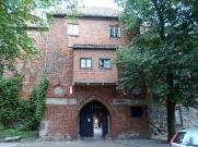 Brama główna z wykuszem dobudowanym w 1528 roku